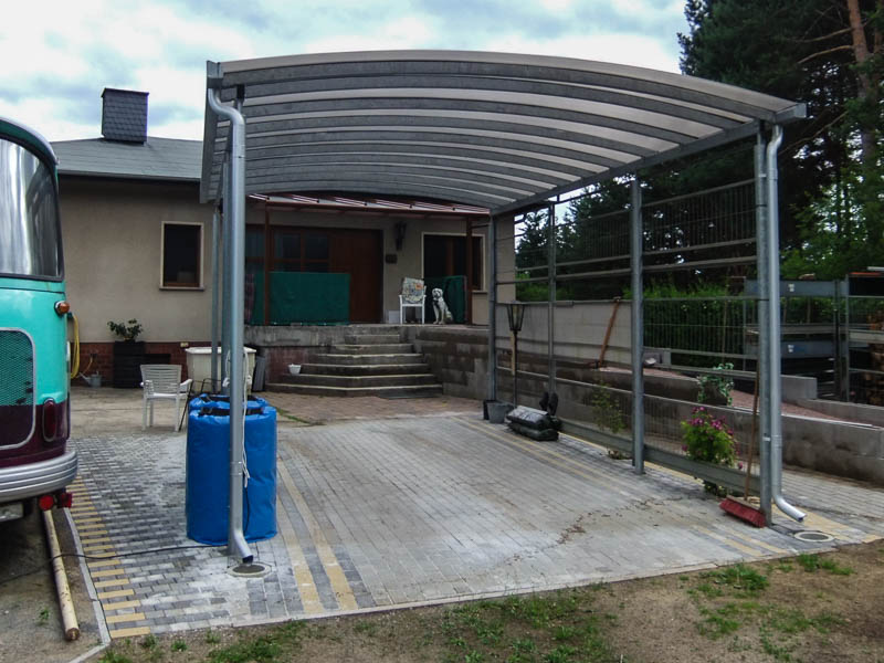 wohnmobil carport in individueller h he cartop. Black Bedroom Furniture Sets. Home Design Ideas