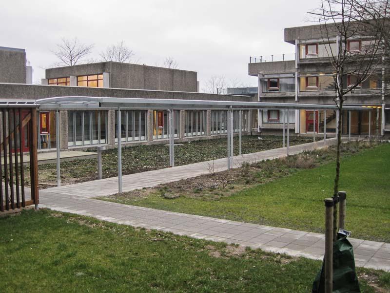 Außenueberdachung Schulen Sonderanfertigungen