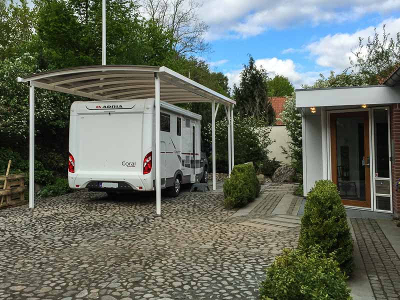 wohnmobil carport in individueller h he cartop. Black Bedroom Furniture Sets. Home Design Ideas