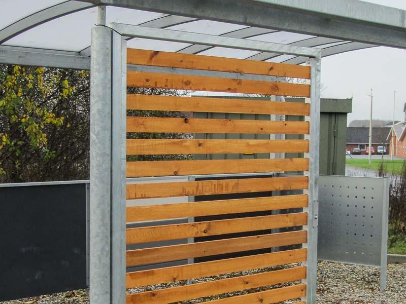 Sichtschutz Stahl und Holz